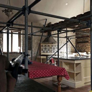 Interior domestic scaffolding